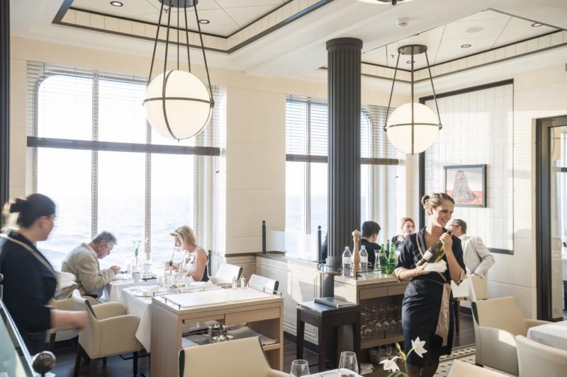 MS Europa 2: Restaurant Tarragon.